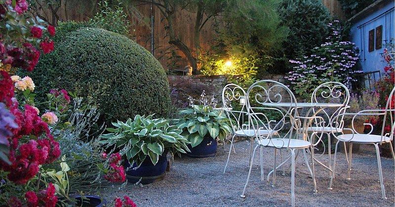 Ein lauschiges Plätzchen im Rosengarten