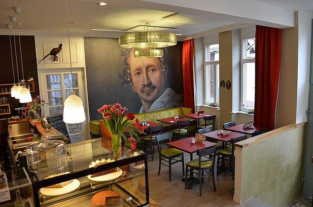 Café Ludwig 1 mit Theke