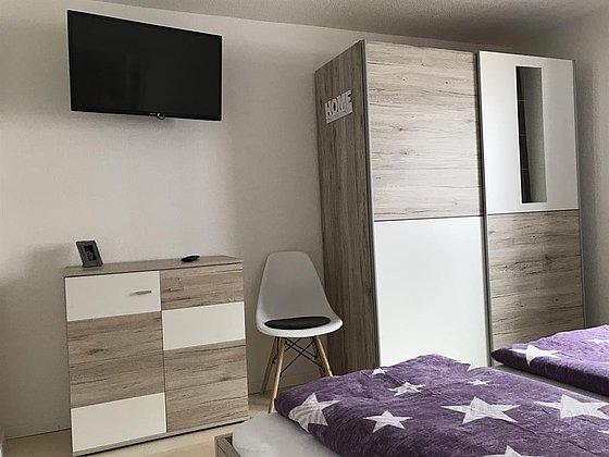 OG Schlafzimmer 2  (1 Doppelbett) Bild2